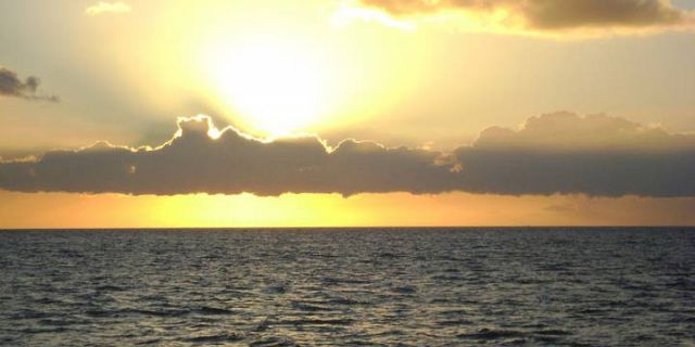 Catamaran sunset dinner cruise in mauritius (2)